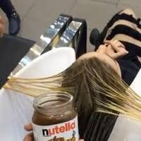 Nutella is a beloved snack spread and dessert topping, but one salon is using it as a hair toner and conditioner. Color Your Hair, Hair Dye Colors, Cool Hair Color, Nutella Hair Dye, Toner For Brown Hair, Hazelnut Hair, Dying Your Hair, Hair Toner, Work Hairstyles