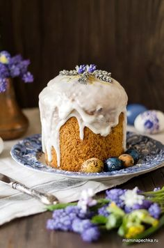 Panettone Cake, Italian Christmas Cake, Yummy Treats, Yummy Food, Food Advertising, Easter Brunch, Pudding Recipes, Easter Recipes, Cake Decorating
