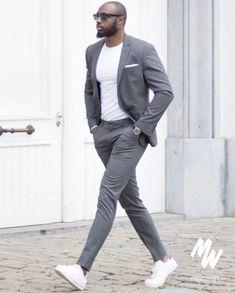 Mens suits la mode par costume gris pour me Trendy Mens Fashion, Mens Fashion Suits, Stylish Men, Mens Suits, Men Casual, Men's Fashion, Trendy Suits For Men, Look Casual Chic, Business Casual Men