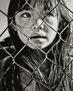La petite fille au regard déroutant   de  http://mathieufariafernandes.com