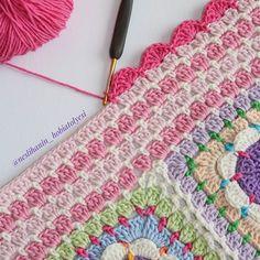 Kenar kısmına geldiysek bitişe az kalmıştır. ☺ #örgü#tığişi#tigisi#elisi#elişi#knit#knitting#knitter#knittersofinstagram#crochet#crocheting#crochetlover#crochetaddict#yarn#yarnaddict#battaniye#bebekbattaniyesi#blanket#babyblanket#sipariş#siparişalınır#ceyiz#ceyizhazirligi#çeyiz#çeyizhazırlığı#ceyizönerisi#çeyizönerisi#order