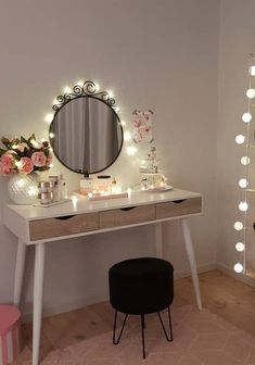 We have got these 55 DIY makeup vanity table ideas for you to brighten up your room and day, too! To design makeup vanity even exciting and better. Diy Home Decor Bedroom, Cozy Bedroom, Bedroom Romantic, Bedroom Ideas, Cute Room Decor, Beauty Room, Dream Rooms, Home Decor Inspiration, Dorm Room