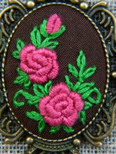 Flower Hand Embroidered Jewelry elegant victorian by MAZUTORIA - Jewelry Flowers Hand Embroidery Stitches, Embroidery Jewelry, Embroidery Applique, Cross Stitch Embroidery, Embroidery Patterns, Fabric Flowers, Beaded Flowers, Seed Bead Art, Cross Stitch Hoop