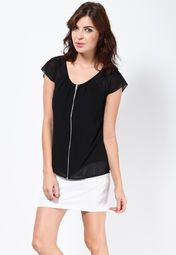 Double your fashion flair as you wear this top from the house of ONLY. Fashioned using 100% polyester, this top will keep you comfortable all day long. Team it with black coloured shorts for a sassy look.