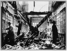 Walter Benjamin et ses bibliothèques : collections et passages - La Revue des Ressources