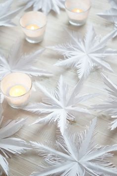 Erilaisia lumikiteitä paperista on askarreltu lapsena vaikka kuinka, mutta… Simple Christmas, White Christmas, Christmas Crafts, Christmas Decorations, Table Decorations, Christmas Ideas, Hobbies For Kids, Christmas Presents, Paper Cutting