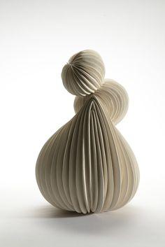 Martine Polisset - Plissée 26 H x 18 cm D Technique du colombin