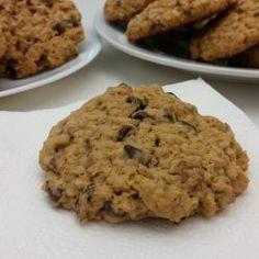 Chocolate Chip Cookies mit Haferflocken und Pekannüssen