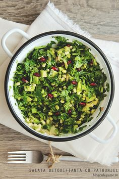 Detoxifying Salad with Parsley, Mung Bean Sprouts, Avocado and Pomegranate