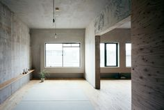 NARUSE INOKUMA ARCHITECTS, SETAGAYA TOKYO APARTMENT: cement rendering, plywood…