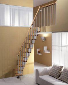 Mini escada com degraus alternados.