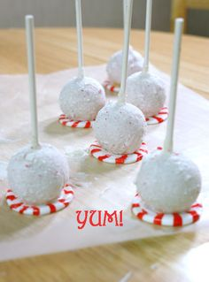 Vanilla Peppermint Cake Pops ~ love the melted peppermints Christmas Cake Pops, Merry Christmas, Christmas Sweets, Christmas Goodies, Christmas Baking, Holiday Pops, Holiday Baking, White Christmas, Holiday Cakes