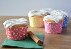 Cupcakes de rollos de canela. Receta en el blog de La guinda Florinda