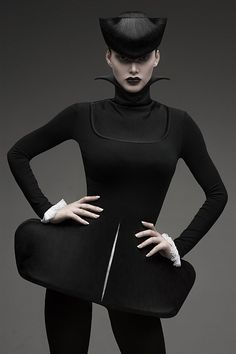 Sculptural Fashion Design - form-fitting dress with structured shapes for an exaggerated 3D silhouette // Tatiana Nitchenko
