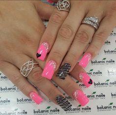Silver ring pink black nails