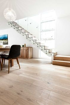 Inspiring Light Wood Flooring Ideas - Nice Inspiring Light Wood Flooring Ideas – Top Ideas of Bright Tone Wooden Floor for Maximum Inte - Wood Floor Design, Tile Design, Style At Home, Floating Floorboards, Timber Flooring, Flooring Ideas, Light Wood Flooring, Floor Colors, Living Room Flooring