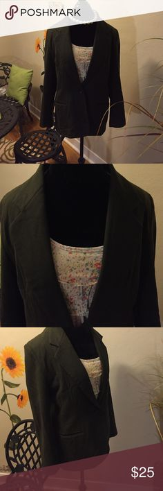 Joan Leslie Charcoal Grey Lined Blazer (FREE top) Joan Leslie Charcoal Grey Lined Blazer (top shown with it FREE) Size 12. Beautiful, well made. In my closet I have a pair of Anne Klein Black Pants w/grey pinstripe that is perfect with this blazer. 50% off the pants if you buy the blazer. Let me know before you buy, so I can adjust the price in the pants and create a bundle. Joan Leslie Jackets & Coats Blazers