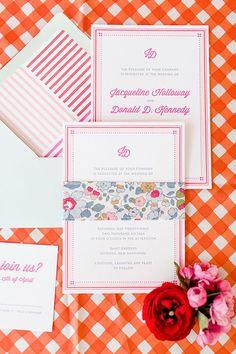 Pink and aqua wedding inspired by the 60's #weddingideas #vintagewedding #weddingdecor