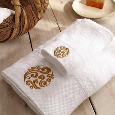 Eco-Friendly 5-Star Bamboo Cotton Spiral Embroidered 2-PC Bath Towel Set
