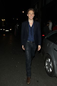 Tom Hiddleston leaving Chinawhite nightclub in London. EXCLUSIVE September 30 2012 Job: 120930W2 London, England EROTEME.CO.UK 44 207 431 1598 ©EROTEME.CO.UK Source: http://torrilla.tumblr.com/post/32590857686/tom-hiddleston-in-london-september-29-2012-hq