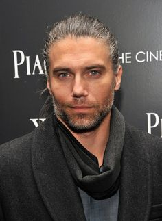 Anson Mount, even if hell on wheels wasn't a very good show I would watch anyway to see this handsome man Easy French Twist, Anson Mount, Hell On Wheels, Hommes Sexy, Raining Men, Grey Hair, White Hair, Good Looking Men, Gorgeous Men