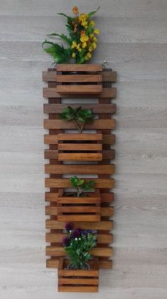 A DIY wall planter is the perfect approach to develop contemporary meals in a small house. Most of these wall mounted planters additionall… in 2020 Diy Wall Planter, Wall Mounted Planters, Wood Planters, Jardim Vertical Diy, Vertical Garden Diy, Wooden Pallet Shelves, Wooden Diy, Wooden Pallets, Wooden Decor