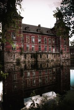 Château H 12.....so sad