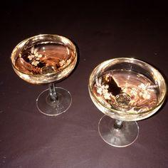 taphic:  rosé in pretty cups