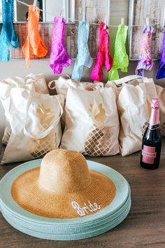 How To Plan The Perfect Bachelorette Beach Trip - Best Party Ideas 2019 Bachelorette Party Themes, Bachelorette Party Favors, Bachelorette Weekend, Beach Wedding Favors, Wedding Ideas, Bachlorette Gift Ideas, Beach Party Favors, Wedding List, Wedding Poses