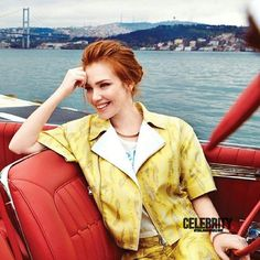 Elçin sangu Wiki Biographie Age Taille Mariage Contact & Informations Turkish Women Beautiful, Beautiful Redhead, People Magazine, Kylie Jenner, Photos Des Stars, Elcin Sangu, Harry Potter, Trending Photos, Strawberry Blonde