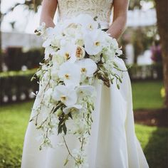 Love the shape, flowers and texture for bridal bouquet