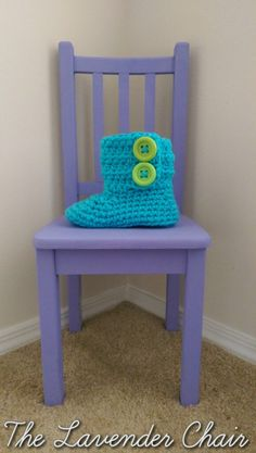 Chunky 2 Buttoned Slipper Crochet Pattern - The Lavender Chair Crochet Gratis, All Free Crochet, Chunky Crochet, Crochet Slippers, Crochet Baby, Knit Crochet, The Lavender Chair, Lion Brand Wool Ease, Yarn Needle