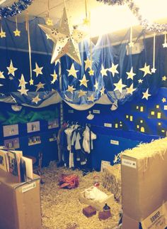 I'm trying to think of ways that we can make a Nativity role-play, without it being too messy. Maybe we just put straw in the manger? I like the stars. Preschool Christmas, Christmas Nativity, Christmas Activities, Christmas Themes, Kids Christmas, Christmas Pageant, Dramatic Play Centers, Dramatic Play Area, School Displays