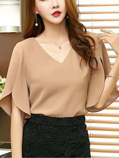 Elegant Office Lady Butterfly Sleeve Split Trim V-Neck Solid Blouse Lady Women Tops And Blouses Chic Outfits, Fashion Outfits, Womens Fashion, Indian Blouse Designs, Sleeves Designs For Dresses, Simple Shirts, Blouse Styles, Skirt Fashion, Chiffon Tops