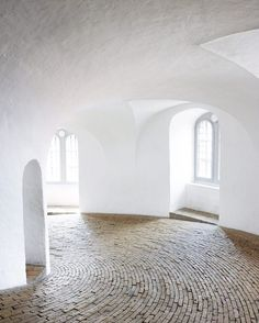 Some places are so beautiful just because of the way the natural light streams in. Like the Round Tower in Copenhagen. This March I'd like to visit the Grundtvigskirken, from the pictures I've seen it looks magical!