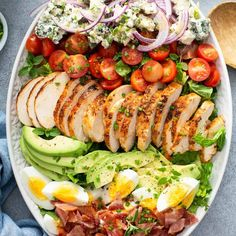 Loaded Cobb Salad Homemade Dressing, Dinner Salads, Quick Easy Meals, Food Inspiration, Cobb Salad, Food To Make, Bacon, Appetizers, Yummy Food
