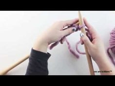 ¿Cómo tejer punto tubular? - WE ARE KNITTERS Crochet Tutorials, Youtube, Clothes For Women, Knitting, Blog, Patterns, Tips, Knitting Needles, Crochet Stitches