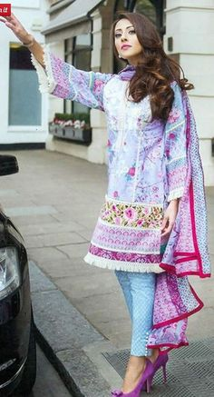 diKHAWA Online Shopping in Pakistan - Pakistani Fashion Pakistani Lawn Suits, Pakistani Formal Dresses, Pakistani Dress Design, Pakistani Outfits, Simple Dresses, Nice Dresses, Casual Dresses, Collection Eid, Designer Collection