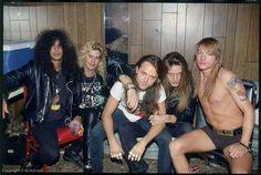 Me encanta esta foto. Axl junto a Lars Urlich, Sebastian Bach, Slash y Duff. Qué epocas!!