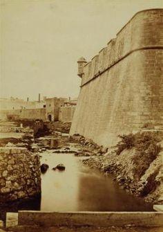 Vista de la muralla Desconegut 1860-1869. Arxiu Fotogràfic de Barcelona