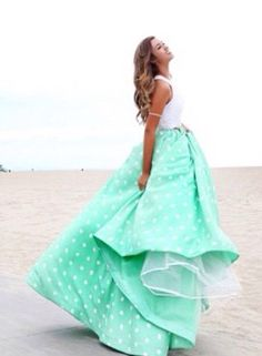 Sadie Robertson styling a really pretty blue dress