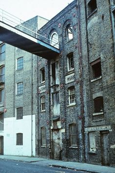 South London, Old London, London City, London Architecture, Industrial Architecture, Bermondsey London, Construction Images, Abandoned Cities, 17th Century Art