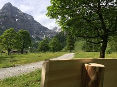 Tolle Aussicht vom Hermann Maier's Bankerl im Marbachtal Flachauwinkl #flachau #hermann_maier #feelaustria Salzburg, Olympia, Mountains, Nature, Travel, Tourism, Places, Vacation, Pictures