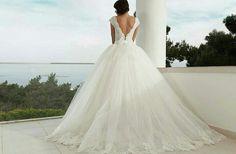 Lace Strap, Tail and Stony Princess, Puffy Bridesmaid Dresses Bella Wedding Dress Engagement Bella Wedding Dress, Puffy Wedding Dresses, Bridesmaid Dresses, The Dress, Engagement, Princess, Lace, Models, Stone