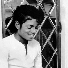 "Michael Jackson <3 - ""i don't need no dreams when i'm by your side, every moment takes me to paradise. So babe be mine"""