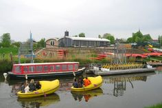 Floating around in a big clog in Hattem, the Netherlands with outdoor adventure company www.vadesto.nl