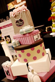 This cake reminds me of ONE amazing woman! I need to have this cake made for her! Gorgeous Cakes, Pretty Cakes, Amazing Cakes, Girly Cakes, Fancy Cakes, Unique Cakes, Creative Cakes, Cupcakes, Cupcake Cakes