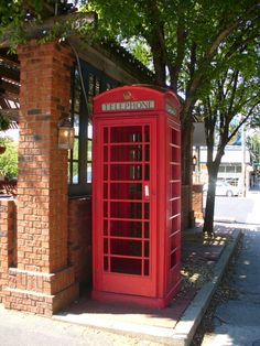 I want an old fashion phone booth like this one in my first home & I want it to work. (I want to receive calls & make them on it) = my house phone. Lol