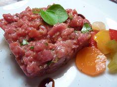 """""""Vi consiglio caldamente di tagliare la carne a coltello: il gusto è veramente diverso!"""" by Virginie De Dea  con olio flaminio dop umbria e condimento flaminio balsamico aglio e rosmarino"""