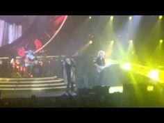 Queen + Adam Lambert - Somebody To Love - Mohegan Sun Arena 7-25-2014